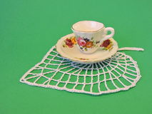 Винтажная чашка и плита Стоковые Фотографии RF