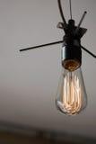 Винтажная электрическая лампочка Edison стиля стоковые изображения