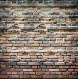 Винтажная grungy кирпичная стена Стоковые Изображения RF