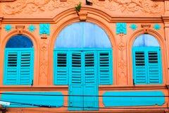 Винтажное голубое окно стоковое изображение