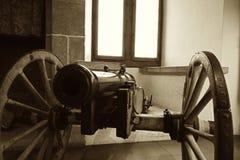 Винтажное изображение средневекового канона на колесах Стоковая Фотография