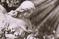 Винтажное изображение статуи ангела старой Стоковые Изображения RF