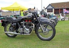 Винтажное королевское мотоцилк enfield Стоковое Изображение RF