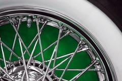 Винтажное колесо спицы автомобиля стоковое фото
