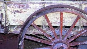 Винтажное колесо тележки стоковое изображение