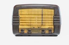 Винтажное радио изолированное на белизне стоковое изображение