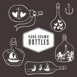 Винтажное собрание бутылки в морском стиле вычерченная рука иллюстрация штока