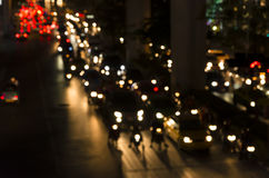 Винтажное bokeh затора движения вечера на дороге в городе Стоковые Изображения RF