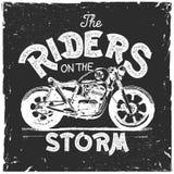 Винтажной печать футболки мотоцикла нарисованная рукой Иллюстрация штока