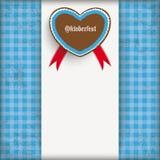 Винтажной проверенное синью сердце Oktoberfest центра ткани Стоковые Изображения RF