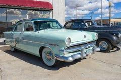 Винтажные автомобили в Kingman, Аризоне, США Стоковые Изображения RF