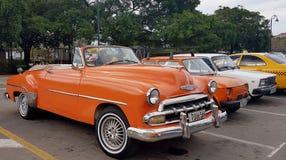 Винтажные автомобили в Гаване Кубе Стоковые Изображения