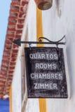 Винтажные знаки, шильдики, комнаты ренты к туристам и резиденты Стоковые Фотографии RF