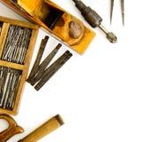 Винтажные инструменты деятельности (коробка с сверлами и другими Стоковое Фото