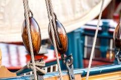 Винтажные и ретро детали старых парусников во время кануна ветрила Стоковые Изображения RF