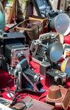 Винтажные камеры для продажи на античном событии в Мичигане США стоковые фотографии rf