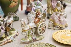 Винтажные керамические Figurines людей, Outdoors Стоковое Фото