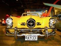 Винтажные классические автомобили стоковые фото