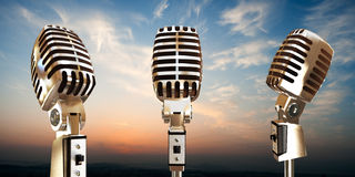 Винтажные микрофоны иллюстрация штока
