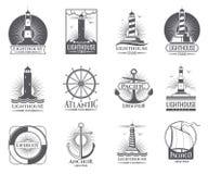 Винтажные морские ярлыки с маяком, шлюпкой моря и анкерами Старые установленные логотипы военно-морского флота иллюстрация вектора