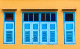 Винтажные окна стоковое изображение rf