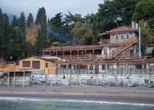 Винтажные дома на холме морем Стоковое Изображение
