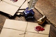 Винтажные письма с красным sealant стоковое фото