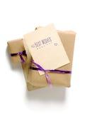 Винтажные подарочные коробки при пустая поздравительная открытка изолированная на белой предпосылке Стоковое Изображение RF