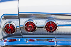 Винтажные света Bumber кабеля & хрома автомобиля стоковое фото rf