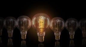 Винтажные электрические лампочки Edison на темной предпосылке Стоковая Фотография