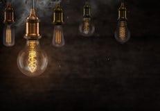 Винтажные электрические лампочки Edison на темной предпосылке Стоковое фото RF