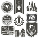 Винтажные эмблемы винзавода пива стоковые изображения