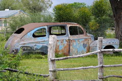 Винтажный автомобиль в парке Стоковое Изображение RF
