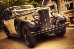 Винтажный автомобиль свадьбы Стоковое Изображение