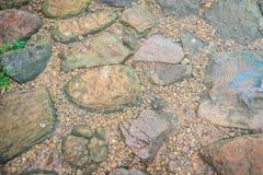 Винтажный булыжник природы и мостоваая камешков в дезорганизованный стоковое изображение rf