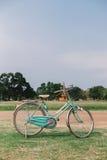 Винтажный велосипед в старом городке, Ayutthya стиля Стоковые Фотографии RF