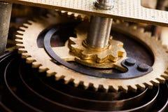 Винтажный взгляд макроса зубов шестерни колеса cog Поле малой глубины, селективный фокус Стоковые Изображения RF