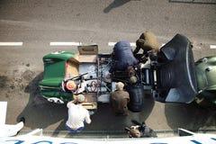 Винтажный гоночный автомобиль на следе Стоковые Изображения