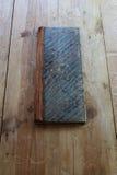 Винтажный гроссбух с marbleized бумажной крышкой стоковая фотография rf