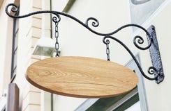 Винтажный деревянный внешний модель-макет знака компании Стоковые Фото
