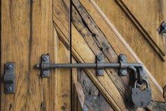 Винтажный деревянный замок дверей с деревянной структурой Стоковая Фотография RF