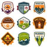 Винтажный летнего лагеря и внешние значки Стоковое Изображение