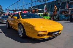 Винтажный желтый автомобиль лотоса на Motorclassica стоковое фото rf