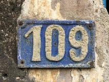Винтажный знак 109 дома Стоковые Фото