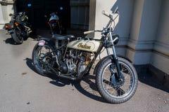 Винтажный индийский мотоцикл на Motorclassica стоковые изображения