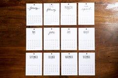 Винтажный календарь 2018 handmade на деревянной стене Стоковые Фотографии RF