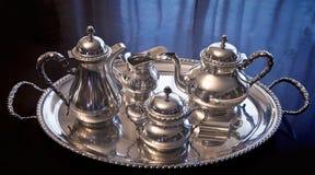 Винтажный комплект кофе и чая на подносе Стоковые Изображения