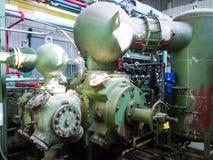 Винтажный компрессор природного газа стоковое изображение rf