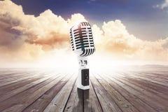 Винтажный микрофон Стоковое Изображение