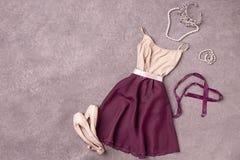 Винтажный натюрморт с ботинками платья и балета стоковое изображение rf